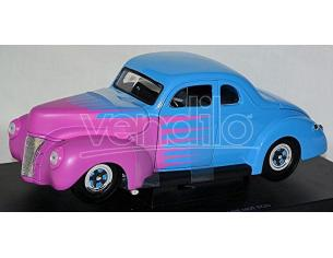Universal Hobbies UH3805 FORD DELUXE HOT ROD 1940 1:18 Modellino