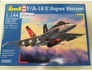 F/A - 18 E Super Hornet Scala 1:144 Revell Modellino SCATOLA ROVINATA
