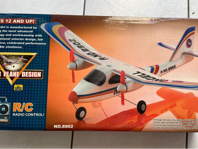 Super Plane Design R/C Radio Control St SCATOLA ROVINATA